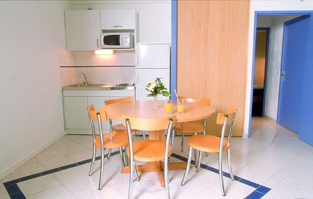 02-BIA-photo-kitchenette-450x286